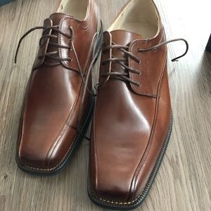 Florsheim Dress Shoes in Brown